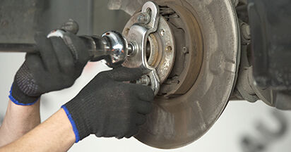 BMW 5 SERIES 525d 2.5 Wheel Bearing replacement: online guides and video tutorials