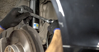 Replacing Anti Roll Bar Links on BMW E60 2001 530d 3.0 by yourself