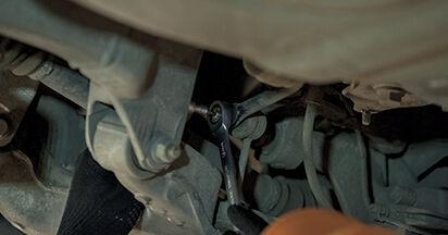 Wie Koppelstange BMW 5 (E60) 525d 2.5 2002 austauschen - Schrittweise Handbücher und Videoanleitungen