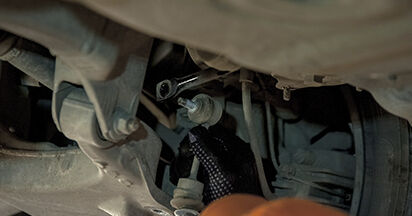 Wie BMW 5 SERIES 525d 3.0 2005 Koppelstange ausbauen - Einfach zu verstehende Anleitungen online