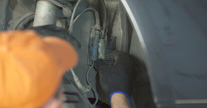 Austauschen Anleitung Domlager am BMW E60 2001 530d 3.0 selbst