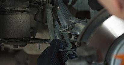 BMW E60 525d 2.5 2003 Supporto Ammortizzatore sostituzione: manuali dell'autofficina