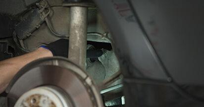 Modifica Supporto Ammortizzatore su BMW 5 (E60) 520i 2.2 2004 da solo
