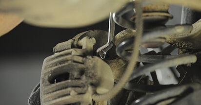 Tausch Tutorial Bremsscheiben am HYUNDAI SANTA FÉ II (CM) 2009 wechselt - Tipps und Tricks