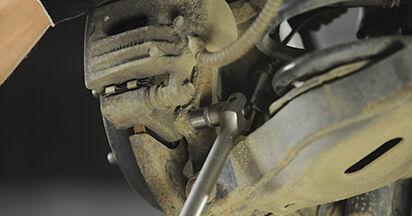 Wechseln Bremsscheiben am HYUNDAI SANTA FÉ II (CM) 2.7 V6 GLS 4x4 2008 selber