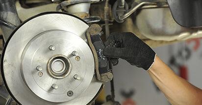 Bremsbeläge Ihres Hyundai Santa Fe cm 2.2 CRDi GLS 4x4 2005 selbst Wechsel - Gratis Tutorial
