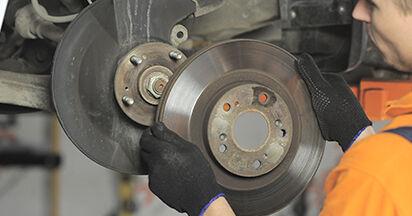 Wie schwer ist es, selbst zu reparieren: Bremsscheiben Honda CR-V II 2.2 CTDi (RD9) 2001 Tausch - Downloaden Sie sich illustrierte Anleitungen