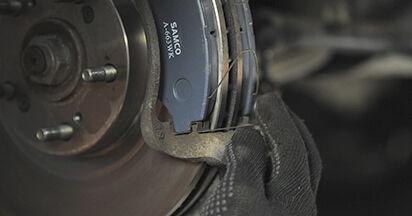 Austauschen Anleitung Bremsbeläge am Honda CR-V II 2005 2.0 (RD4) selbst