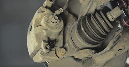 Tausch Tutorial Bremsbeläge am HONDA CR-V II (RD_) 2001 wechselt - Tipps und Tricks