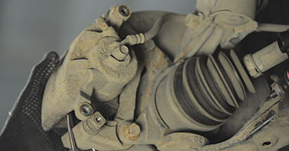 Wechseln Bremsbeläge am HONDA CR-V II (RD_) 2.4 Vtec 4WD 2004 selber