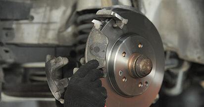 MERCEDES-BENZ E-CLASS E 230 2.3 (210.037) Brake Pads replacement: online guides and video tutorials
