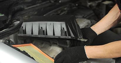 Mercedes W210 E 220 CDI 2.2 (210.006) 1997 Filtre à Air remplacement : manuels d'atelier gratuits