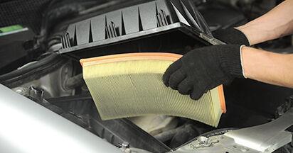 Changer Filtre à Air sur MERCEDES-BENZ E-CLASS (W210) E 290 2.9 Turbo Diesel (210.017) 1998 par vous-même