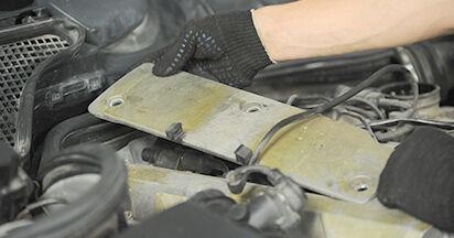Zündkerzen Ihres Mercedes W210 E 230 2.3 (210.037) 2003 selbst Wechsel - Gratis Tutorial