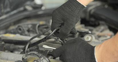 Schritt-für-Schritt-Anleitung zum selbstständigen Wechsel von Mercedes W210 1999 E 320 CDI 3.2 (210.026) Zündkerzen