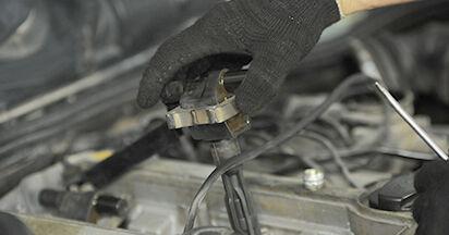 Wie Zündkerzen Mercedes W210 E 300 3.0 Turbo Diesel (210.025) 1995 tauschen - Kostenlose PDF- und Videoanleitungen
