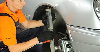 Quanto è difficile il fai da te: sostituzione Ammortizzatori su Mercedes W210 E 240 2.4 (210.061) 2001 - scarica la guida illustrata