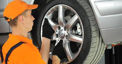 Consigli passo-passo per la sostituzione del fai da te Mercedes W210 1999 E 320 CDI 3.2 (210.026) Ammortizzatori