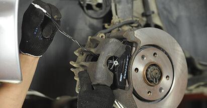 Jak vyměnit Brzdové Destičky na PEUGEOT 406 Break (8E/F) 1999 - tipy a triky