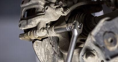 Wechseln Bremsscheiben am HONDA CR-V III (RE) 2.0 i 2009 selber