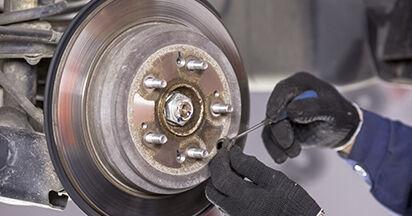 Bremsscheiben beim HONDA CR-V 2.4 i-VTEC 2013 selber erneuern - DIY-Manual