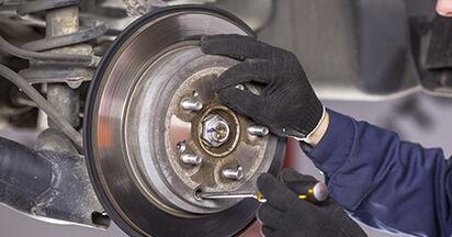 Bremsscheiben Ihres Honda CR-V III 2.0 i-VTEC 2014 selbst Wechsel - Gratis Tutorial