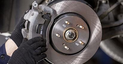 Schritt-für-Schritt-Anleitung zum selbstständigen Wechsel von Honda CR-V III 2019 2.4 i-VTEC 4WD (RE7) Bremsbeläge