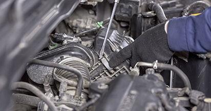 Jak wymienić Filtr powietrza w HONDA CR-V III (RE) 2011: pobierz instrukcje PDF i instrukcje wideo