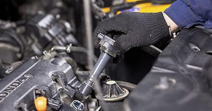 Zündkerzen am HONDA CR-V III (RE) 2.4 4WD (RE4) 2011 wechseln – Laden Sie sich PDF-Handbücher und Videoanleitungen herunter