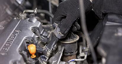 Austauschen Anleitung Zündkerzen am Honda CR-V III 2016 2.2 i-CTDi 4WD (RE6) selbst