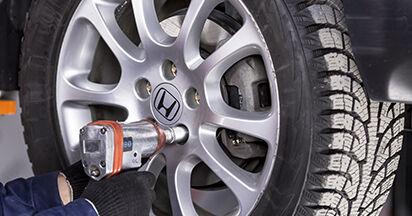 Wie Koppelstange Honda CR-V III 2.2 i-CTDi 4WD (RE6) 2006 tauschen - Kostenlose PDF- und Videoanleitungen