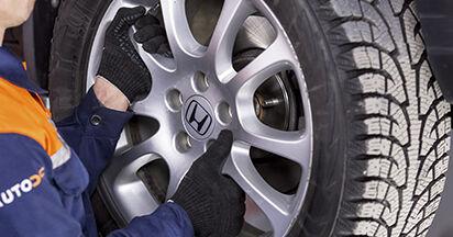 Koppelstange beim HONDA CR-V 2.4 i-VTEC 2013 selber erneuern - DIY-Manual