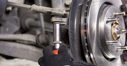 Wie HONDA CR-V 2.4 i-VTEC 4WD (RE7) 2010 Spurstangenkopf ausbauen - Einfach zu verstehende Anleitungen online