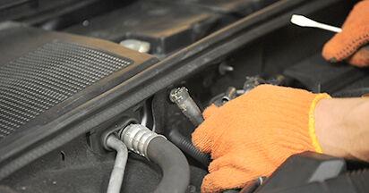 Wechseln Kraftstofffilter am AUDI A4 Avant (8ED, B7) 2.0 TDI quattro 2007 selber