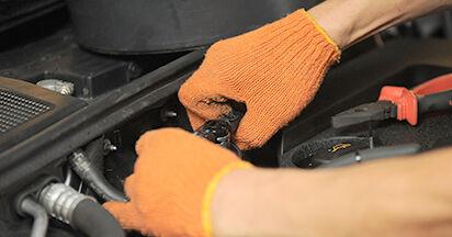Kraftstofffilter Ihres Audi A4 b7 2.0 TDI 16V 2007 selbst Wechsel - Gratis Tutorial
