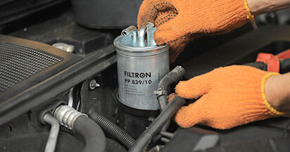 A4 Avant (8ED, B7) 2.0 TFSI quattro 2005 2.0 TDI 16V Kraftstofffilter - Handbuch zum Wechsel und der Reparatur eigenständig