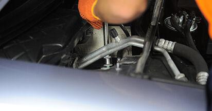 Come sostituire AUDI A4 Avant (8ED, B7) 2.0 TDI 2005 Ammortizzatori - manuali passo passo e video guide