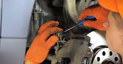 Radlager Audi A4 b7 1.9 TDI 2006 wechseln: Kostenlose Reparaturhandbücher
