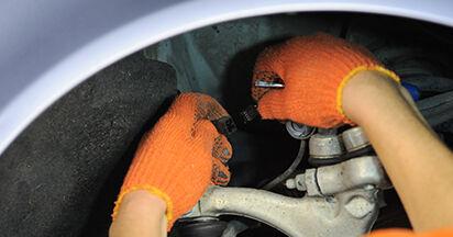 Wie schwer ist es, selbst zu reparieren: Radlager Audi A4 b7 1.8 T 2005 Tausch - Downloaden Sie sich illustrierte Anleitungen