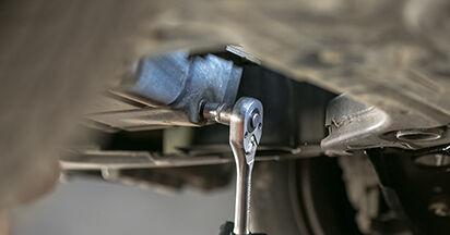 Wie MITSUBISHI COLT 1.5 2006 Ölfilter ausbauen - Einfach zu verstehende Anleitungen online
