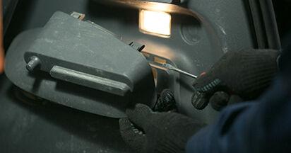 Stoßdämpfer am MITSUBISHI COLT VI (Z3_A, Z2_A) 1.3 LPG 2007 wechseln – Laden Sie sich PDF-Handbücher und Videoanleitungen herunter