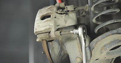Bremsscheiben am MAZDA 3 (BK) 2.0 MZR-CD 2008 wechseln – Laden Sie sich PDF-Handbücher und Videoanleitungen herunter