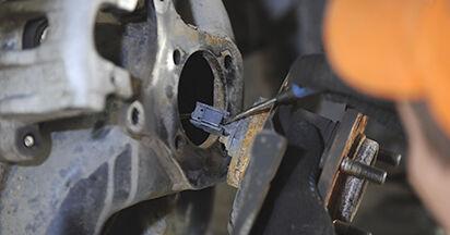 Cum schimbare Rulment roata la Mazda 3 bk 2003 - manualele în format PDF și video gratuite