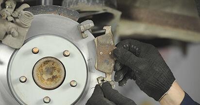 Bremsbeläge Ihres Mazda 3 bk 2.3 MPS 2004 selbst Wechsel - Gratis Tutorial
