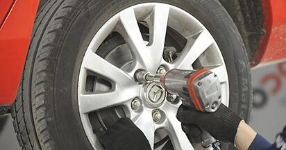 Wie Bremsbeläge Mazda 3 bk 1.6 2003 tauschen - Kostenlose PDF- und Videoanleitungen
