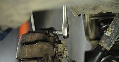 Bremsscheiben beim VW TRANSPORTER 2.5 TDI 4motion 2010 selber erneuern - DIY-Manual