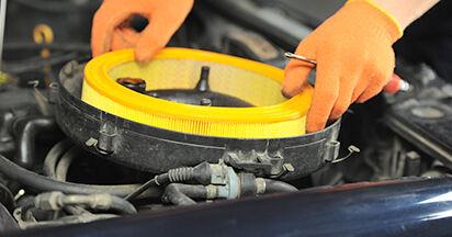 Wie schwer ist es, selbst zu reparieren: Luftfilter Audi 80 b4 1.9 TD 1993 Tausch - Downloaden Sie sich illustrierte Anleitungen