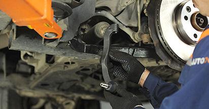 Wie schwer ist es, selbst zu reparieren: Spurstangenkopf VW T5 Pritsche 2.5 TDI 2009 Tausch - Downloaden Sie sich illustrierte Anleitungen