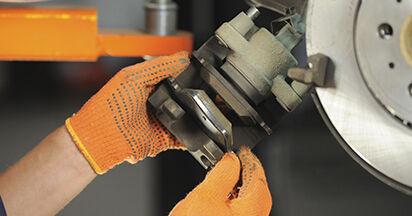 Bremsbeläge Ihres Volvo XC90 1 2.4 D5 2010 selbst Wechsel - Gratis Tutorial