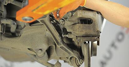 Schritt-für-Schritt-Anleitung zum selbstständigen Wechsel von Volvo XC90 1 2002 3.2 AWD Bremsbeläge